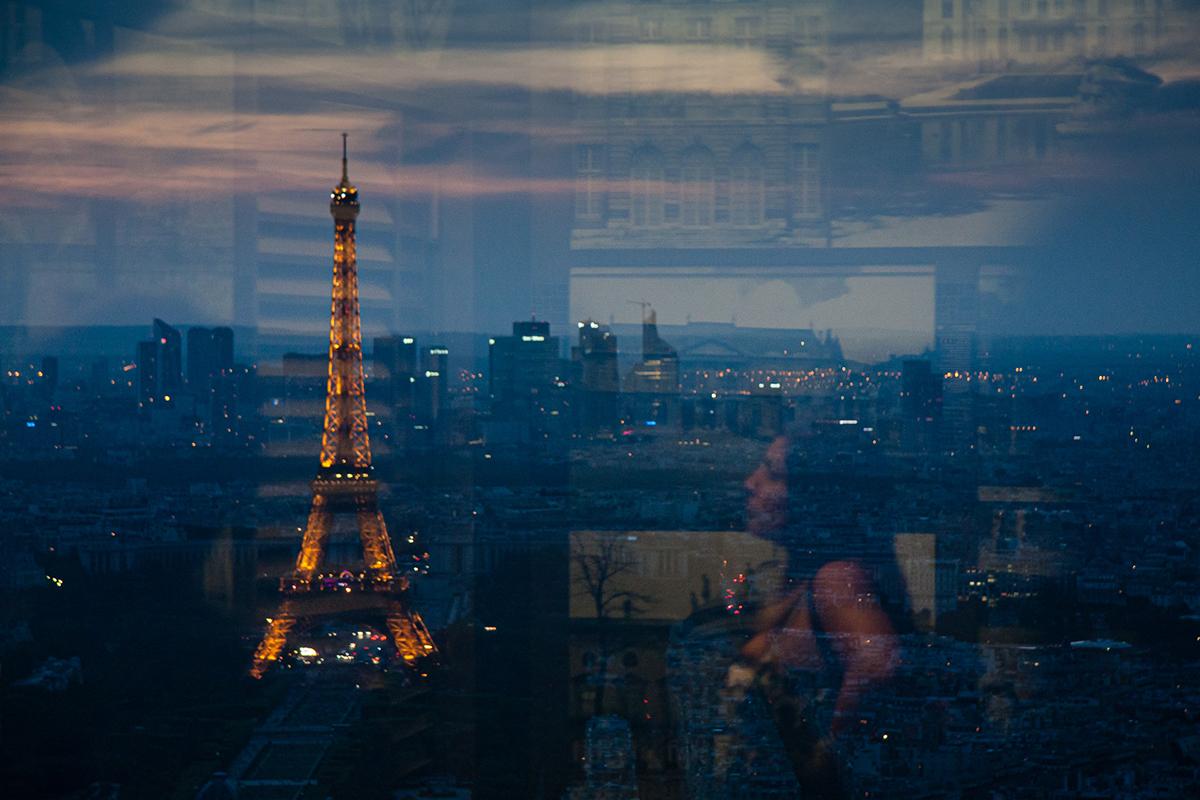 Πύργος Άιφελ μέσα από τη τζαμαρία του Montparnasse Tower © Θεόδωρος Παπαγεωργίου